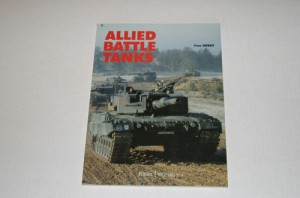 ALLIED BATTLE TANKS - Yves Debay
